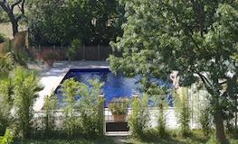Chambre d'hôtes orientale - La vue sur le parc et la piscine