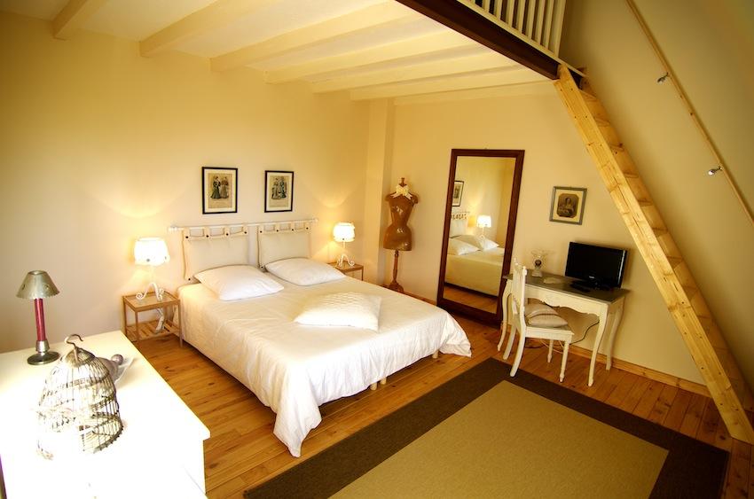 Location de chambre d 39 h tes dans les pyr n es orientales romantique le mas du domaine de - Reprendre une chambre d hotes ...