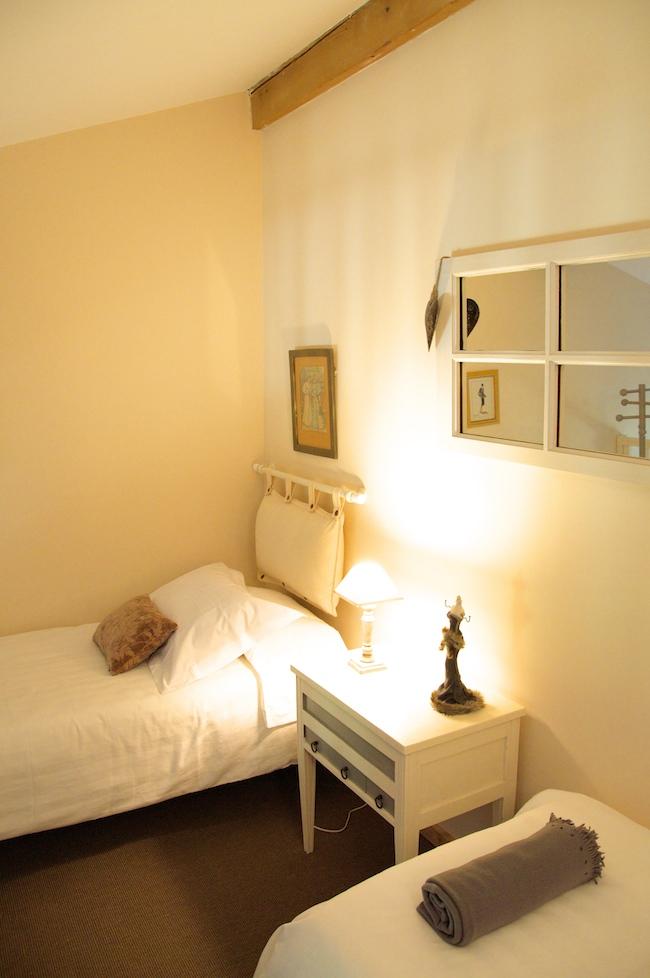 Location de chambre d 39 h tes dans les pyr n es orientales romantique le mas du domaine de - Chambre d hote pyrenees orientales ...